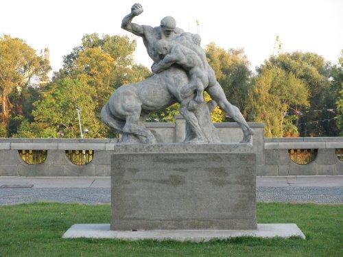 Herkules Z Centaurem by Carrwalyn